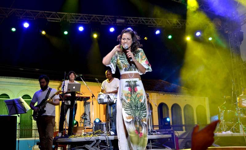 Ju Moraes leva samba de qualidade para a Chapada Diamantina | FOTO: Divulgação/Caiã Pires |