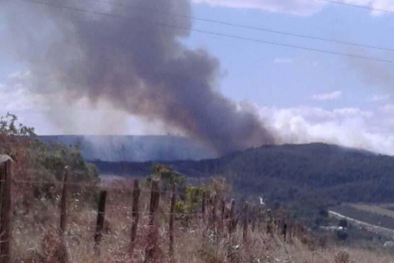 O fogo aconteceu na região da Fazenda Parquinho e foi combatido por 10 brigadistas voluntários | FOTO: Divulgação/BVCIF |