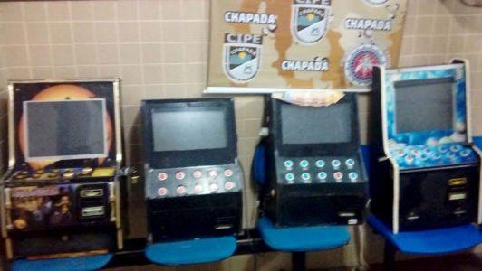 As máquinas e seus proprietários foram levados para a Delegacia de Seabra | FOTO: Divulgação/Cipe-Chapada |